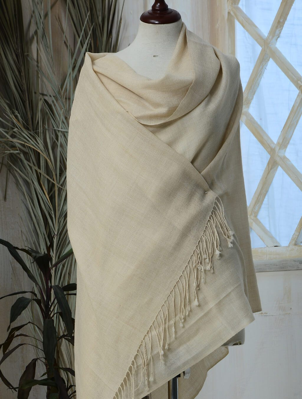 Simple Cashmere Shawl IHC-R-01-02 OFF WHITE Wraps FASSTILAD