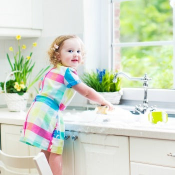 another one of many baby oil uses is to moisturize toddlers' skin after playing with soap