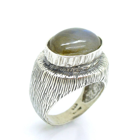Ring - A Large Unisex Silver And Labradorite Ring