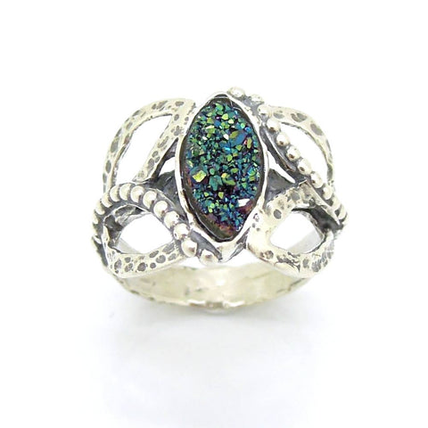 Ring - Oval Green Druzy Agate Set In A Oval Hammered Silver Ring