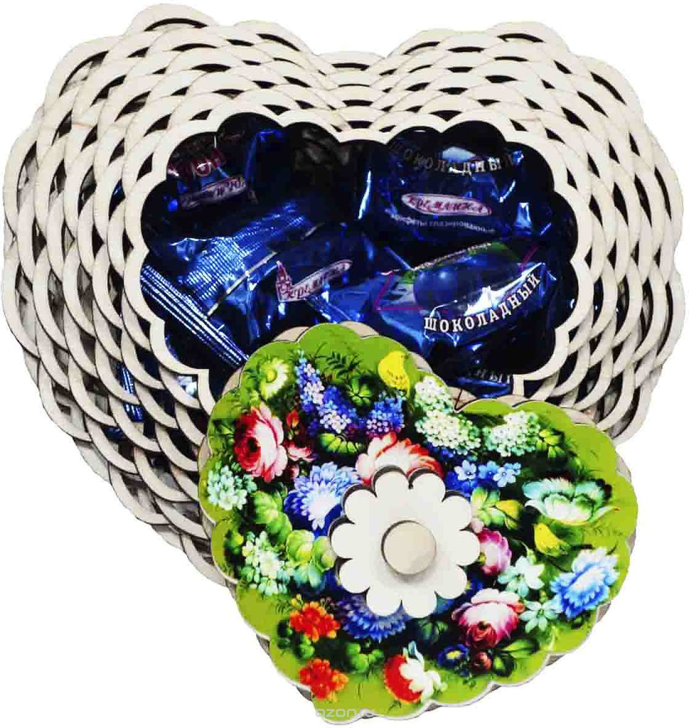 Assorted chocolate and caramel candies in a wooden box «Heart», 1lb