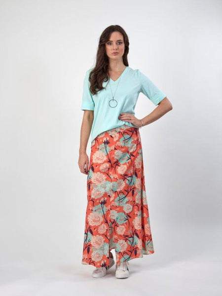 Long Skirt With Front Split / 7033