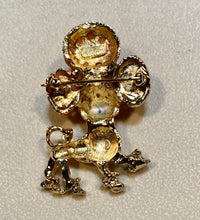 Load image into Gallery viewer, Coral and  Peridot Brooch