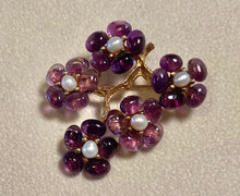 Load image into Gallery viewer, Amethyst and Fresh Water Pearl Brooch