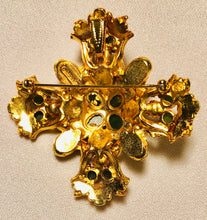 Load image into Gallery viewer, Jade and Pearl Cross Pendant / Brooch