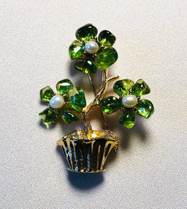 Peridot and Fresh Water Pearl Brooch