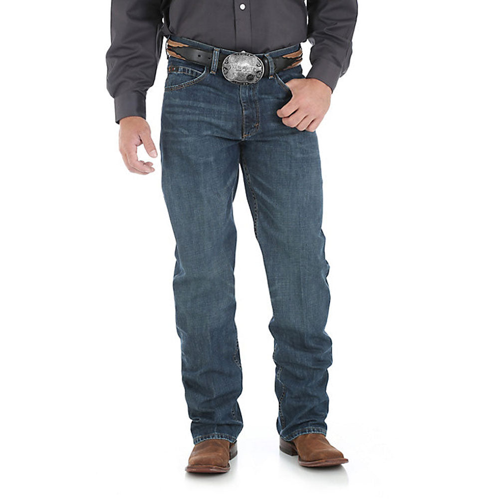 01MWXRW Wrangler Men's 20X 01 Competition Jean River Wash Relaxed Fit