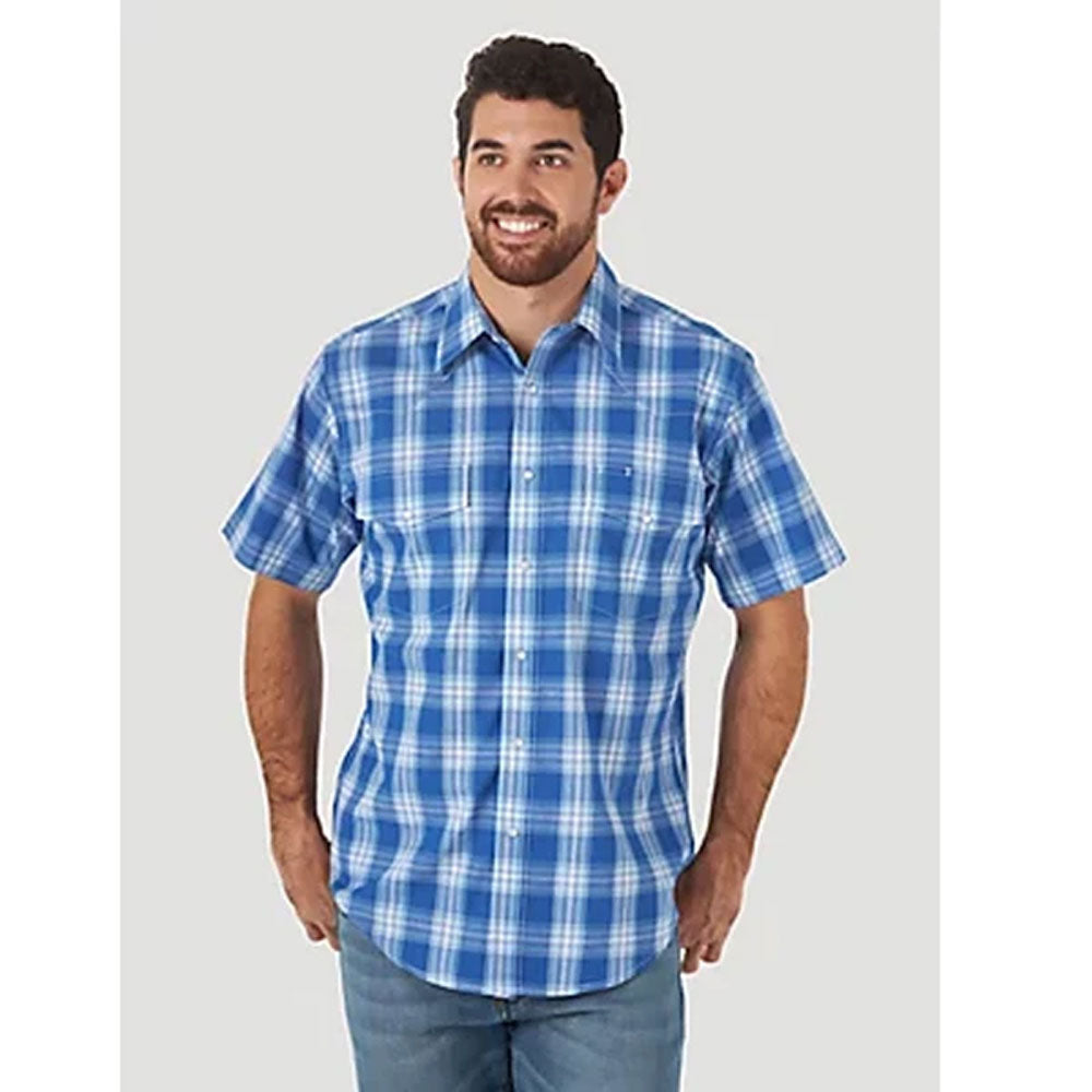 MWR400B Wrangler Men's Blue Plaid Wrinkle Resist Short Sleeve Western Shirt