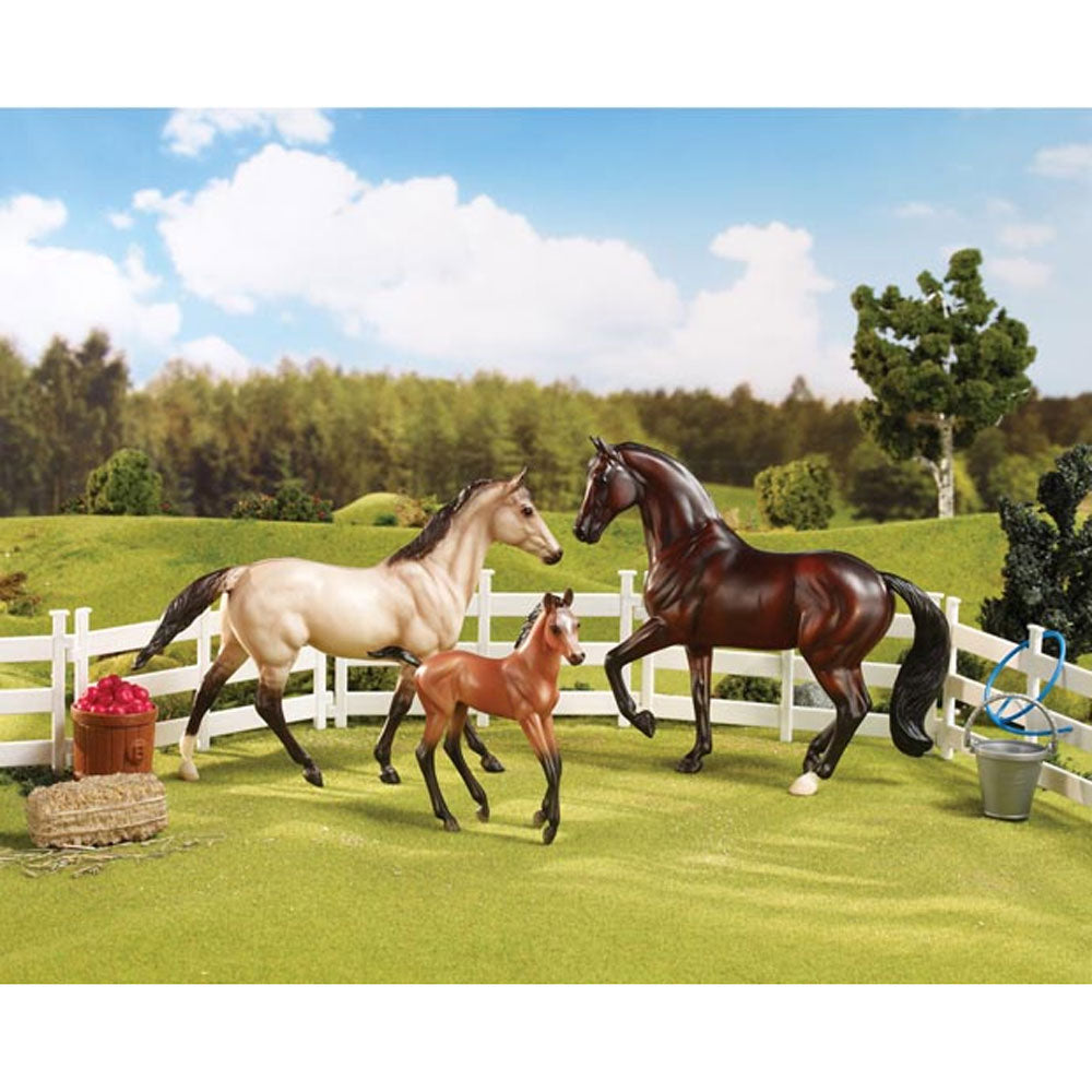61061 Breyer Sport Horse Family Set