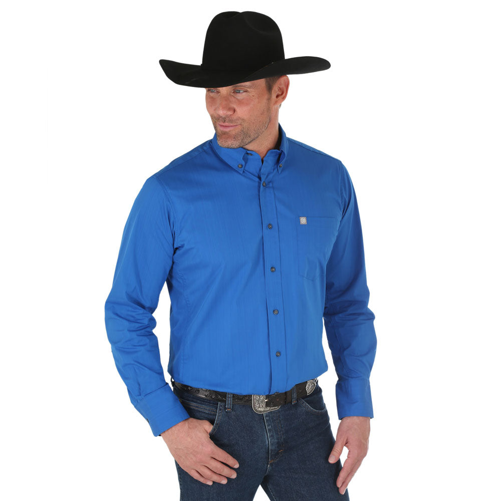 MWP108B Wrangler Men's Performance Long Sleeve Light Blue Buttondown Shirt