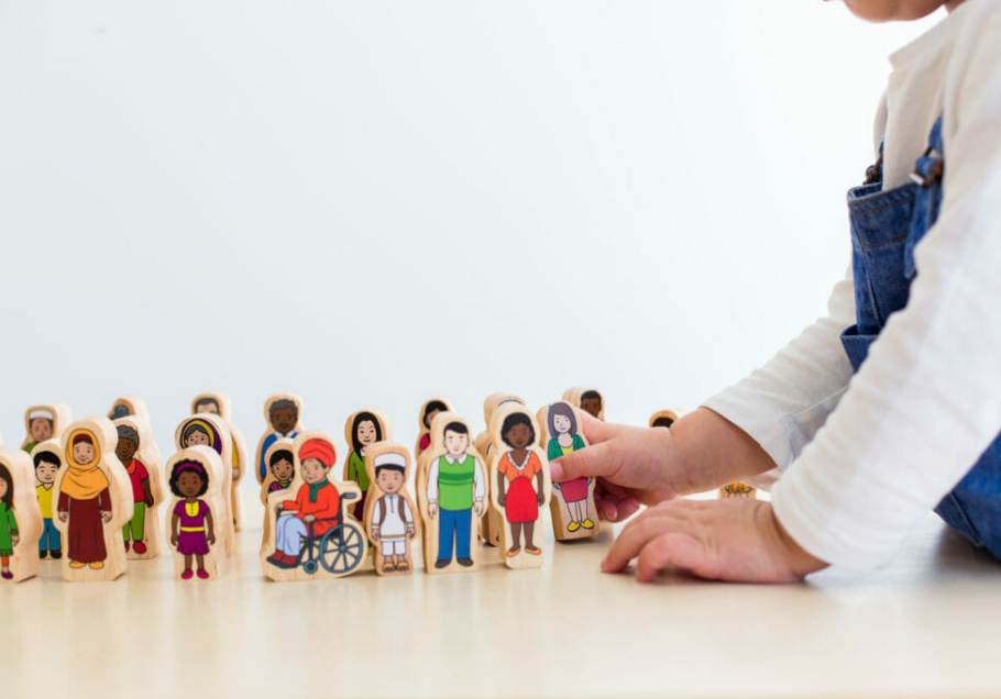 My Family - Wooden People 30pc
