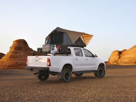 Triton with Front runner Feathelite Roof Top Tent
