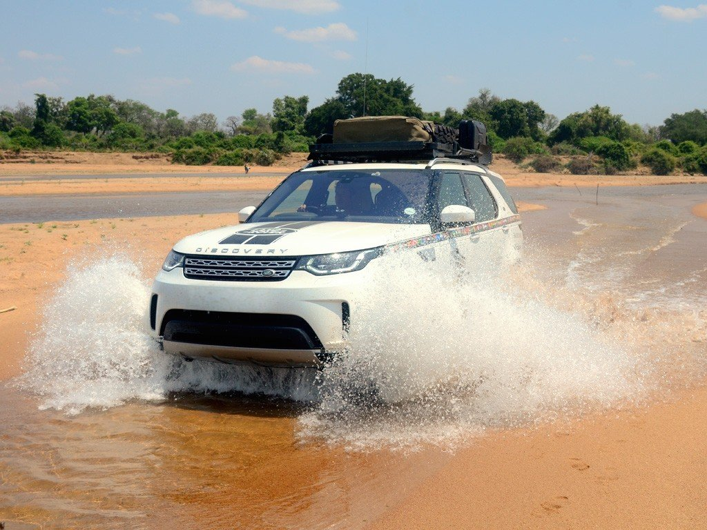 in action: Front Runner Land Rover All-New Discovery (2017-Current) Slimline II Roof Rack Kit