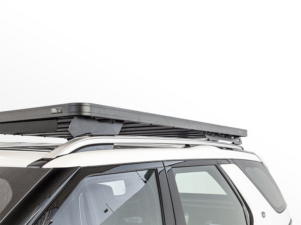 side view of Front Runner Land Rover All-New Discovery (2017-Current) Slimline II Roof Rack Kit