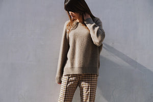 Burrow suana cashmere sweater 入荷!