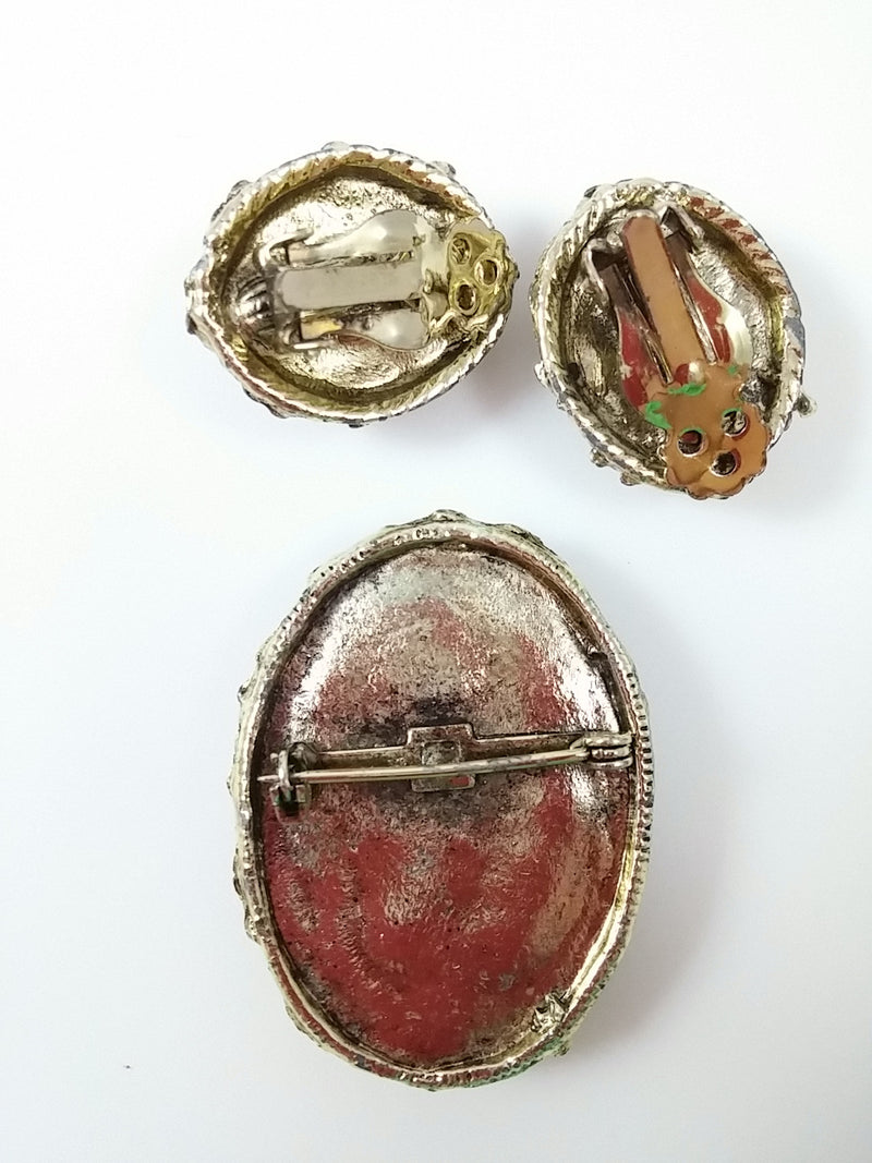 Vintage 50s 60s Chip Shell Demi Brooch and Clip Earrings