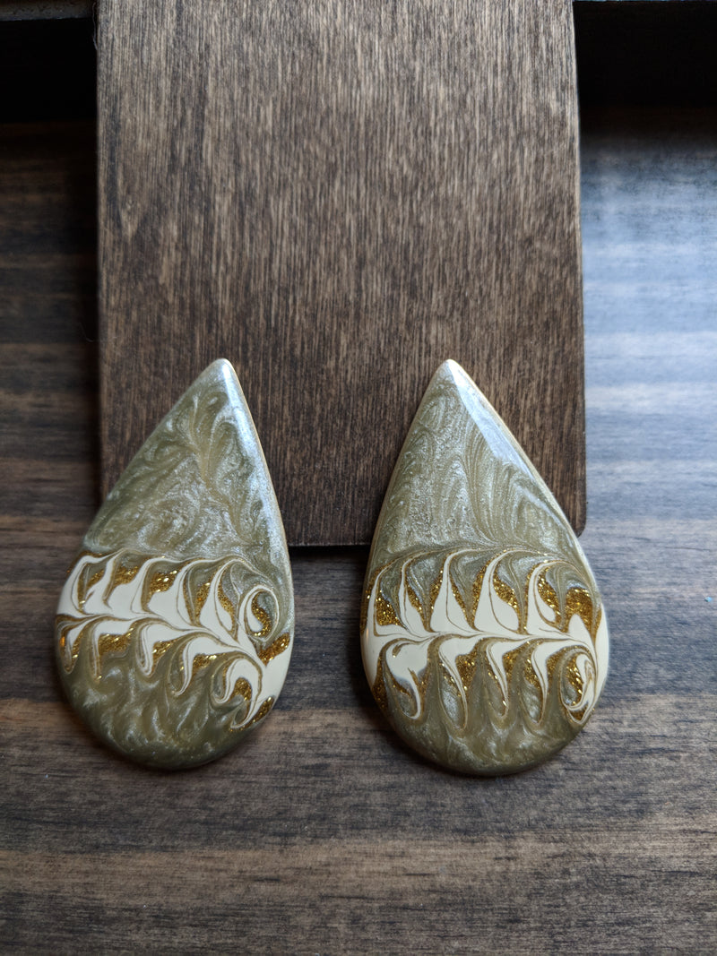 Vintage 80s/90s Tear Drop Enamel Earrings