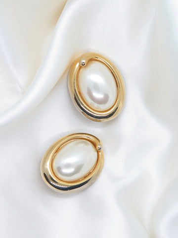 Vintage Gold Tone Pearl Clip Earrings