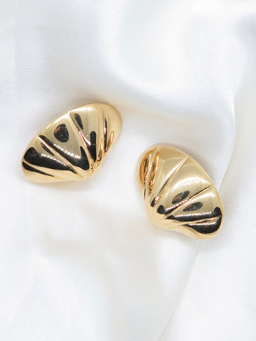 Vintage Gold Tone Clip-On Earrings