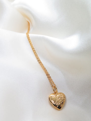 Vintage Style Gold Tone Heart Locket Necklace