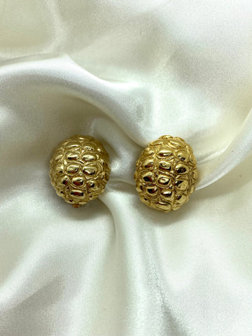 Vintage Designer Gold Tone Oval Clip On Earrings