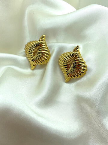 Vintage Gold Tone Twist Earrings