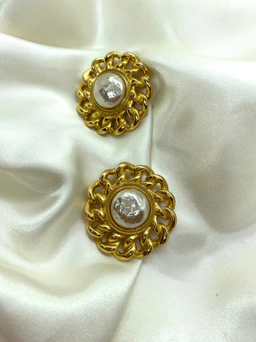 Vintage Gold Tone Chain Pearl Clip On Earrings