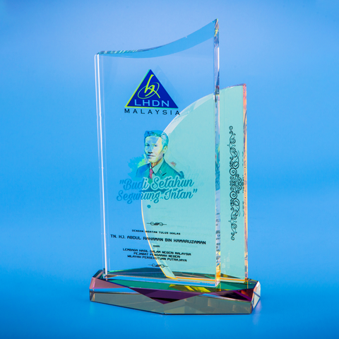 Crystal Plaque | D5026 - D One Crystal Award Trophy Malaysia