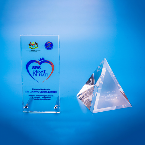 Crystal Gifts | D5040 A/B - D One Crystal Award Trophy Malaysia