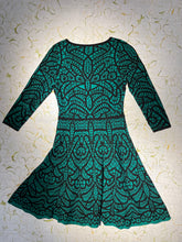 Load image into Gallery viewer, Carmen Marc Valvo Green Jersey Dress Size M