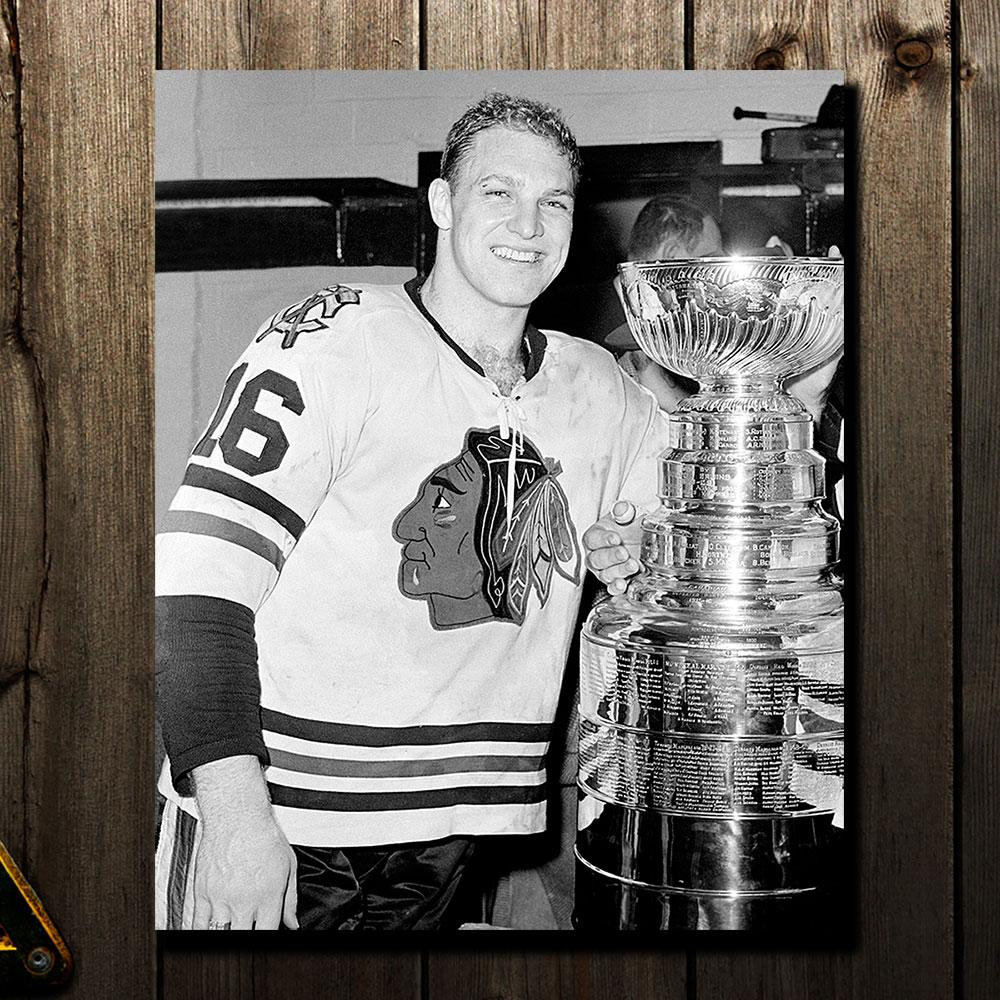Bobby Hull Pre-Order Chicago Blackhawks Autographed 8x10 (2)