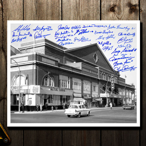 Montreal Forum Montreal Canadiens Legends Autographed 16x20 Signed by 26