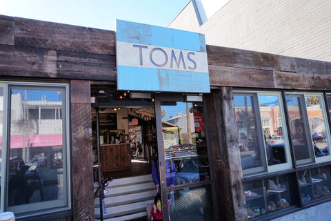 TOMS dog friendly store venice ca