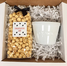 Load image into Gallery viewer, Graduation Caramel Popcorn Gift Box