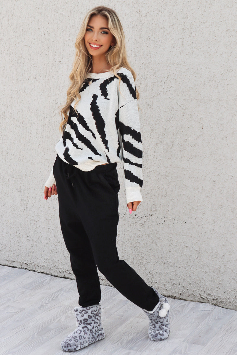 Marble Monochrome Knit - Runway Goddess