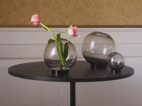 Globe Vase with stand