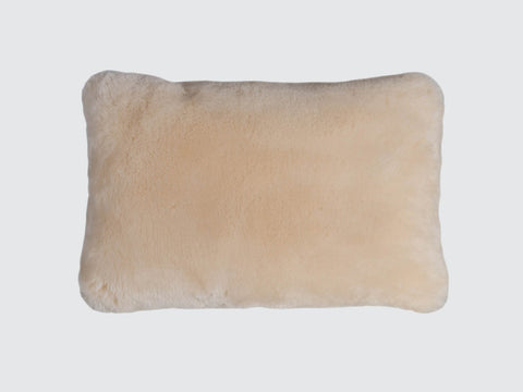 Sheepfur_Cushion_Dawsonandco_Timothyoulton_Snow
