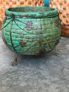 Green Basketweave Metal Feet Pot Garden Decor