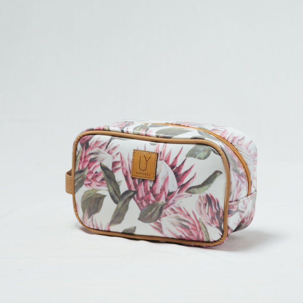 IY Small Toiletry Bag - Bright King White