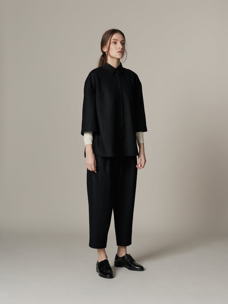 Relaxed minimalist wool outfit in black