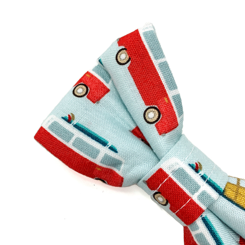 'ROAD TRIP' DOG BOW TIE IN RED
