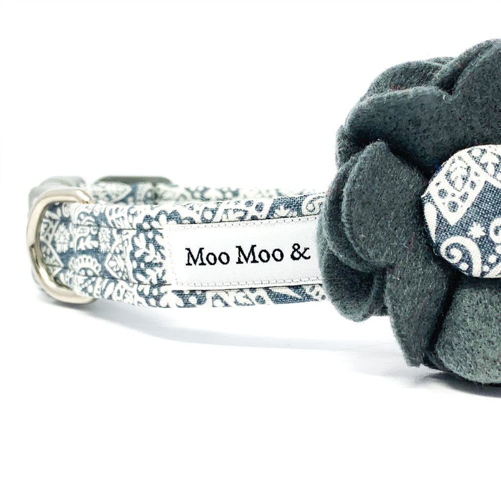 'LACE' FELT DOG COLLAR FLOWER IN STEEL GREY