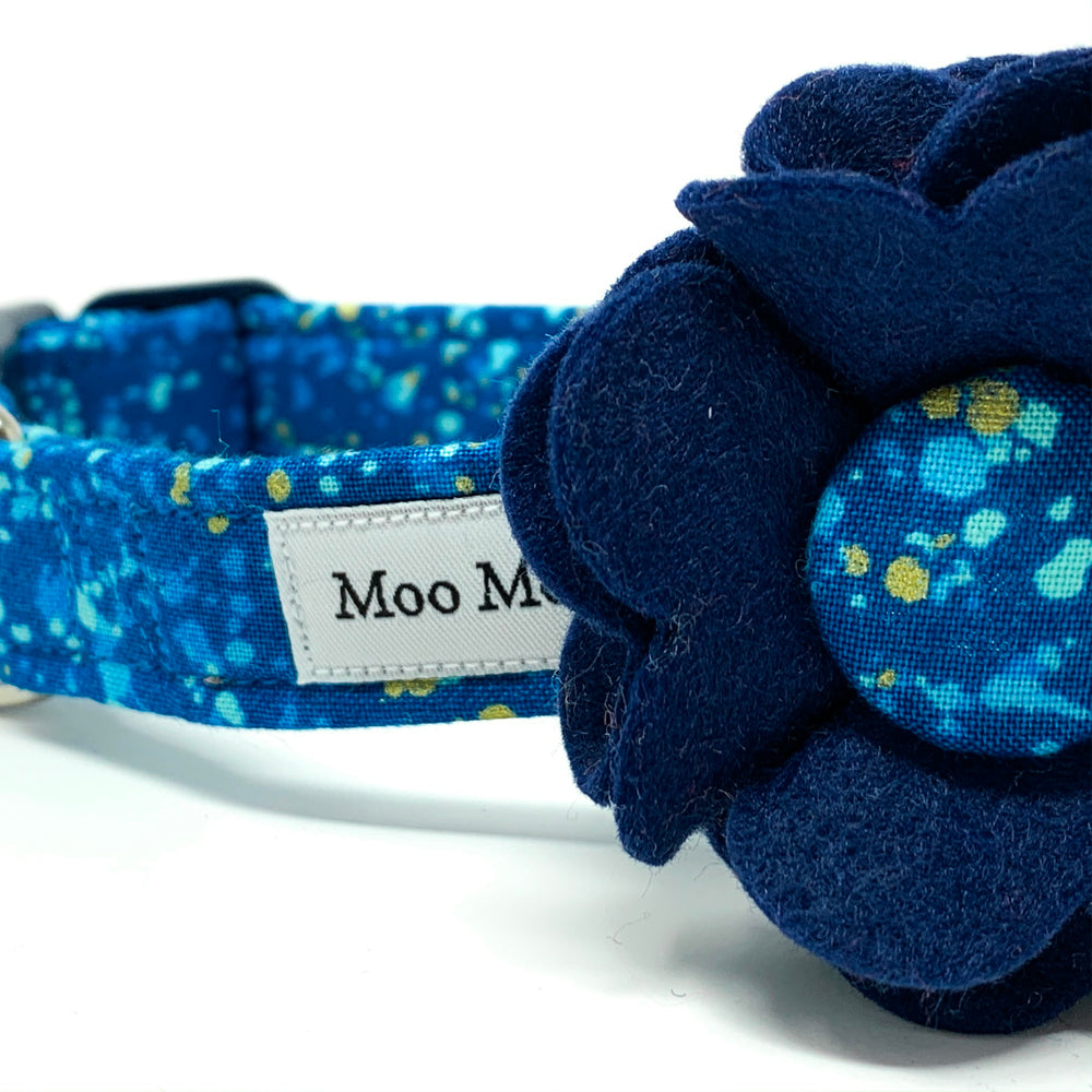 'POP' DOG COLLAR FELT FLOWER IN BLUE