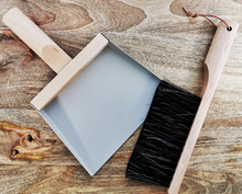 Load image into Gallery viewer, Andree Jardin Mini Brush and Dustpan Set