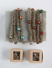 Load image into Gallery viewer, Tinsel Garland with Beads