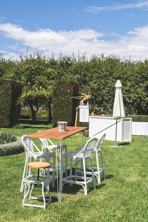 Wedding inspiration Outdoor bar - the white place lifestyle and events
