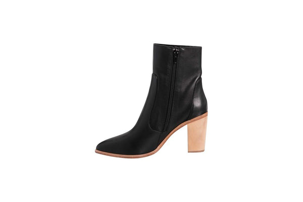 ZK Remit black boot