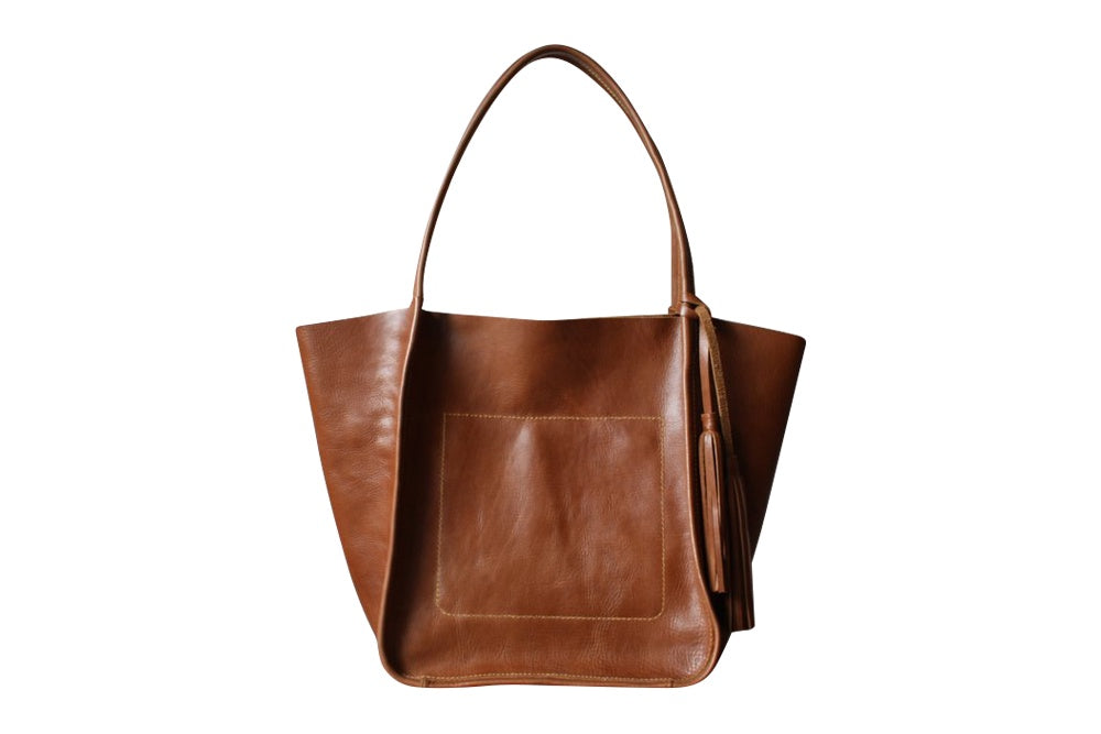 Leather tote bag with tassel