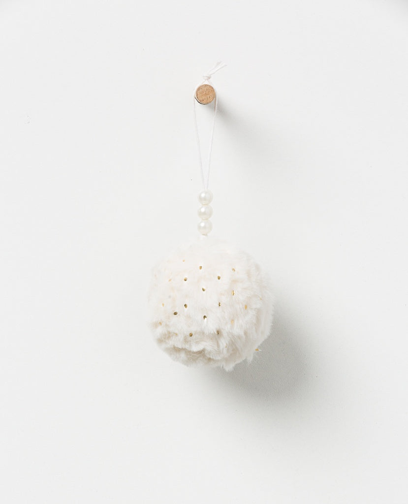 Noir Hanging pompom with pearls