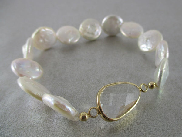 pearl bracelet with clear crystal
